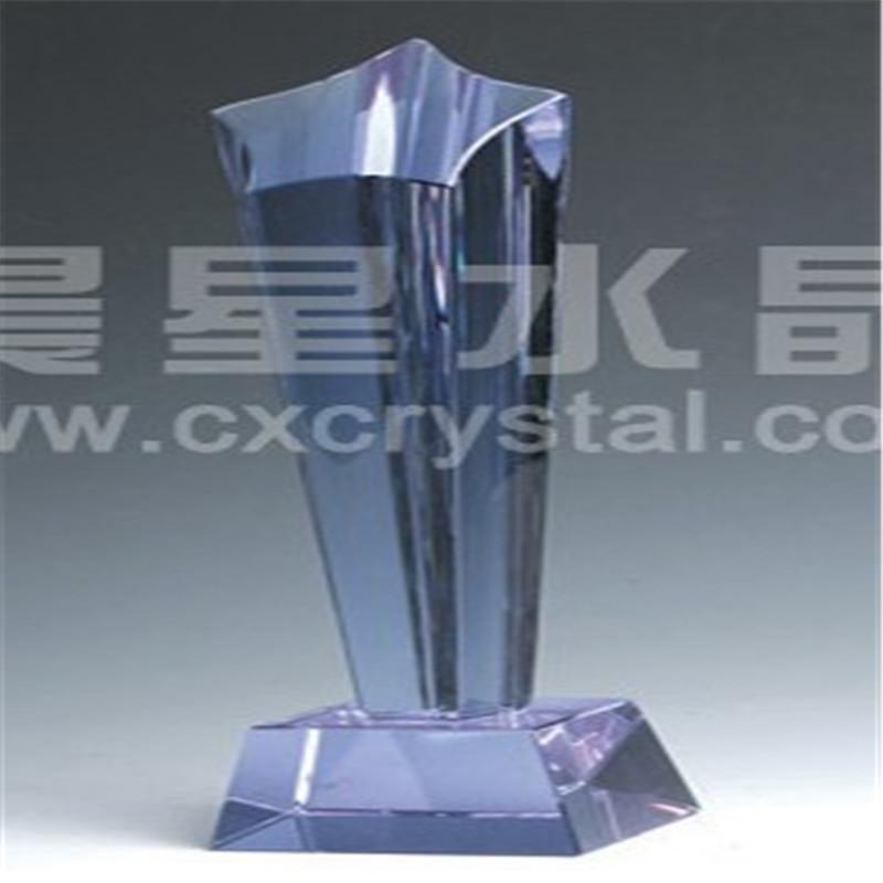 Кристаллический трофей в форме звезды
